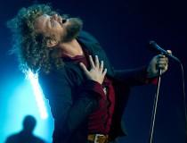 Zanger_Marcel_Veenendaal_tijdens_een_concert_(Foto_ANP)
